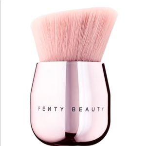 NIB Fenty Beauty Face & Body Kabuki Brush